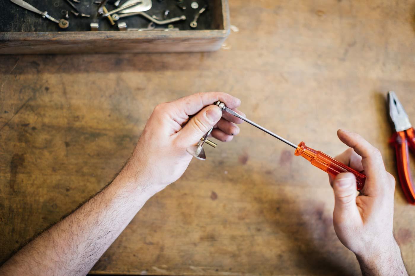 Horn reparieren Werkstatt Blechblasinstrumente
