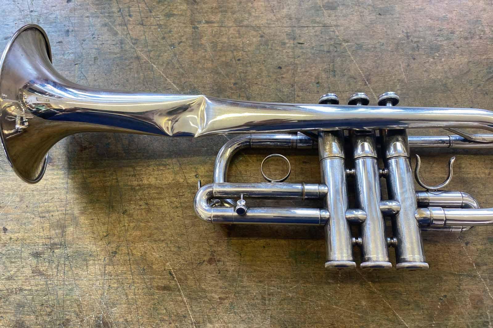 Vogt instruments Schaden Trompete Reparatur